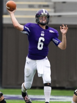 Holy Cross quarterback Peter Pujals was named this week's Ray Gallant Insurance New England Football Writers' Gridiron Club of Greater Boston Gold Helmet Award winner! (Photo Credit: Holy Cross Athletics)