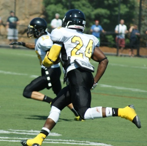 Framingham State's Melikke Van Alstyne eclipsed the 6,000-yard mark last weekend against Worcester State. (Photo Credit: Matt Noonan for NoontimeSports.com)
