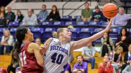 Molly Hourigan was tabbed WACBA Women's Player of the Week after netting a career-high 18 points in her team's win over Navy. (Photo Credit: Holy Cross Athletics)